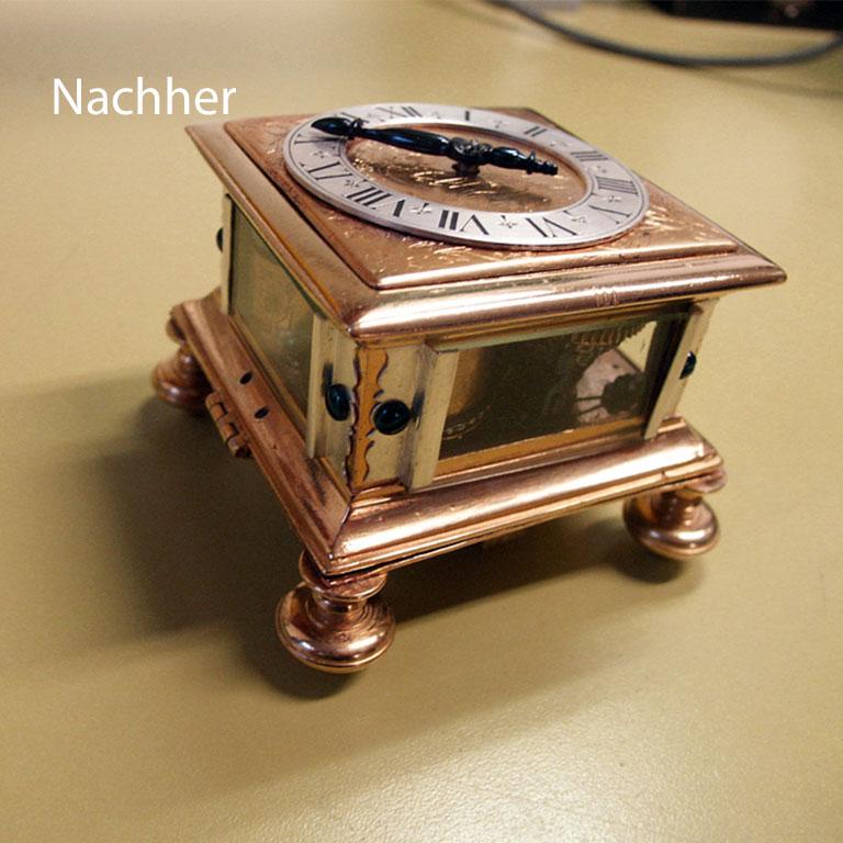 Uhren-Zorn-Wuerzburg-Restauration-Tischuhr-klein-Ausstellung-nachher